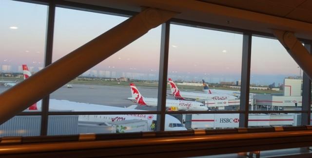 air canada 777, SFO, YYZ, airports