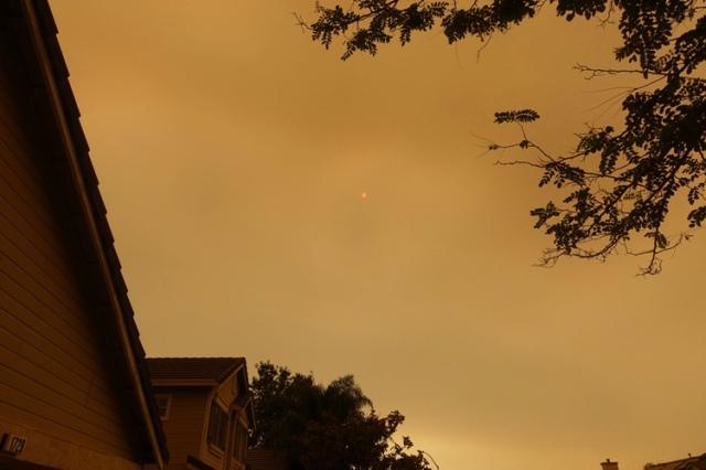 smoky day, california wild fires, dark sky