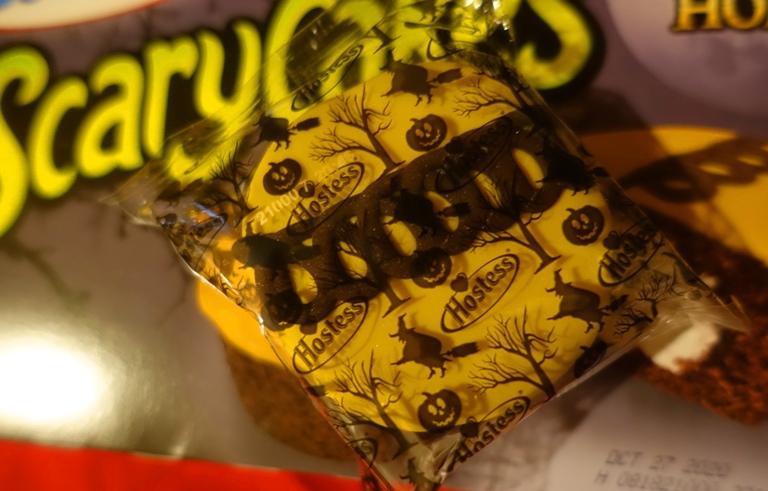 hoste scarycakes, snack cakes, halloween