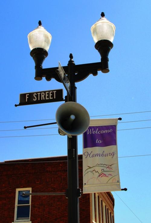 hamburg street light, main street, hamburg iowa