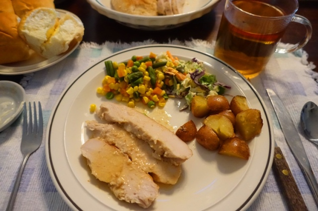 thanksgiving meal, turkey, vegetables, potatoes, tea