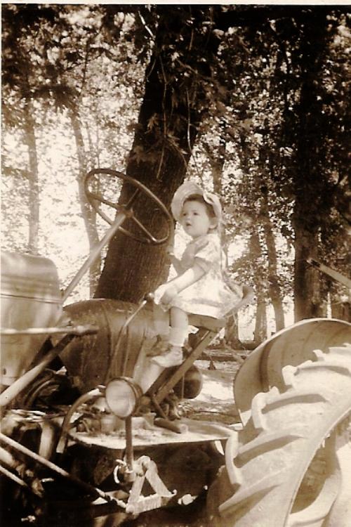 tractor, farm, little girl, iowa farm