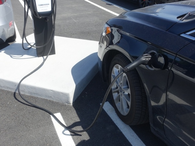 charging station, plug-in hybrid, electric vehicle