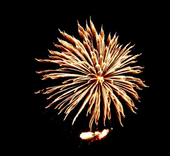 Tracy fireworks 2021, fireworks, no tripod